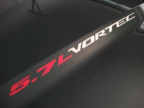 2 Sätze 5,7 l VORTEC Hood Emblem Stil Aufkleber Aufkleber Chevy Silverado 96 97 98 99 350 ci