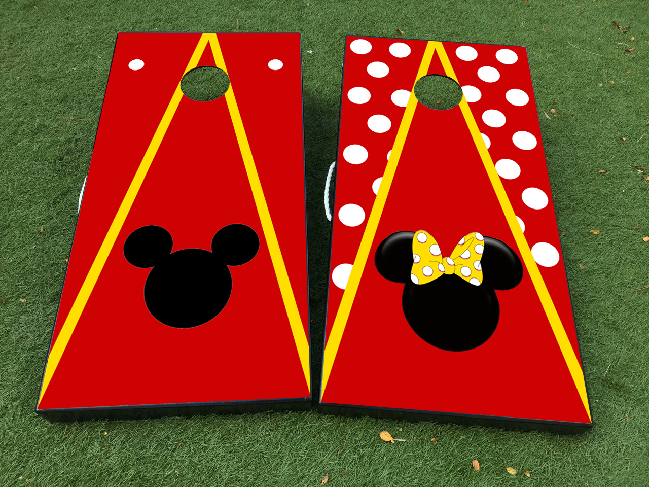 Product mickey minnie mouse couple cornhole board game