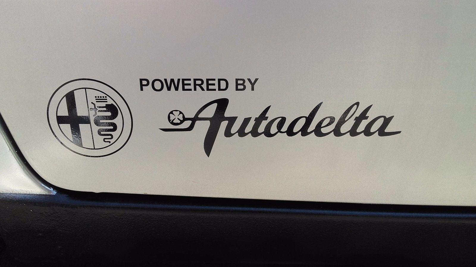2x Powered by Autodelta Karosserie-Aufkleber für Alfa Romeo Spider Giulia