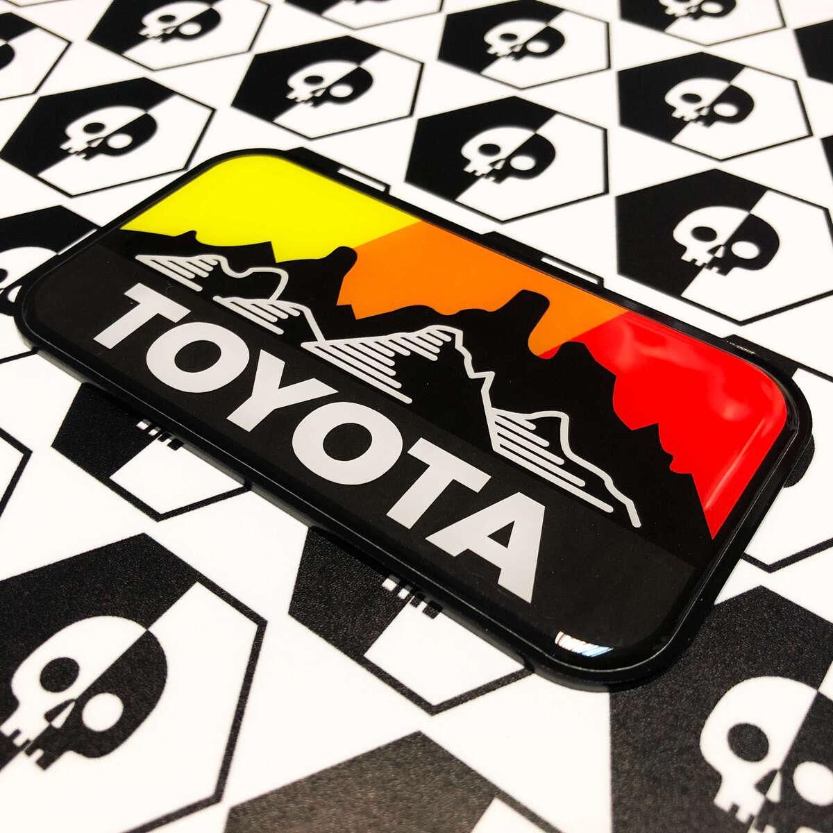 Neue Toyota Overland Mountains Vintage Farben Abzeichen Emblem Domed Aufkleber mit High Impact Polystyrol