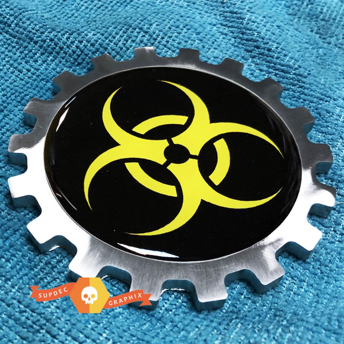Gelbes gewölbtes Biohazard-Logo Metall Aluminium Abzeichen Nacht Emblem Aluminium