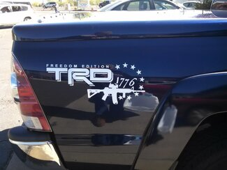 2-seitiger Toyota TRD Truck im Gelände FREEDOM EDITION 4x4 Toyota Racing Tacoma Aufkleber Vinyl-Aufkleber