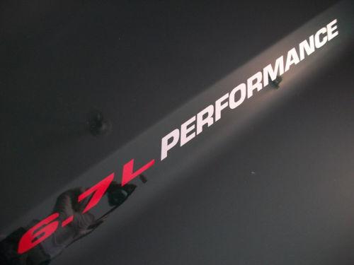 6.7L PERFORMANCE (Paar) Hood Vinyl Aufkleber Aufkleber Emblem Dodge Ram Fits Cummins