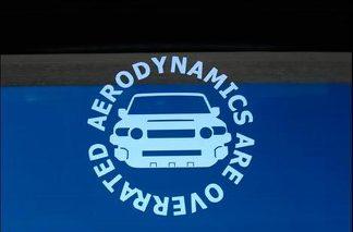 Toyota FJ Cruiser - Aerodynamik sind überbewertete Aufkleber