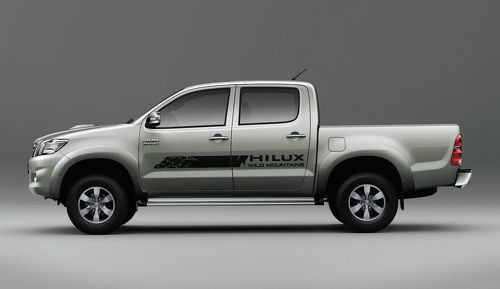 Toyota HILUX Monuntains graphics side stripe decal